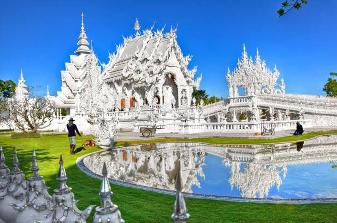 There are numerous sanctuaries in Thailand, one of the most exceptional is Wat Rong Khun. This white sanctuary is adorned with sparkling glass